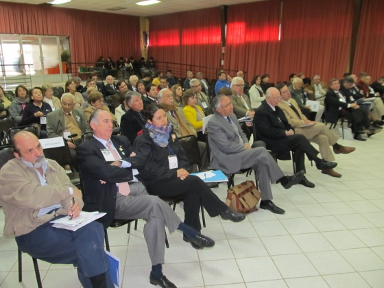 Plenaria tuvo una gran asistencia de público, que se instruyo y participó.