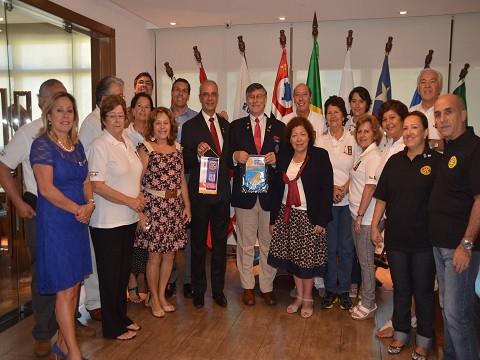 O Rotary Club Guarujá Vicente de Carvalho esteve presente na recepção preparada pelo Rotary Club Santos para a Comitiva do Chile, do Intercâmbio da Amizade, Chefiada por Jorge G. Vega Diaz, Governador do Distrito 4320, Val Paraiso, Chile.