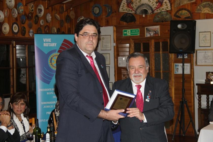 RC Olmué entrega reconocimiento a AG Juan Cambiaso