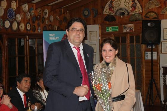 RC Olmué entrega reconocimiento a Macarena Santelices