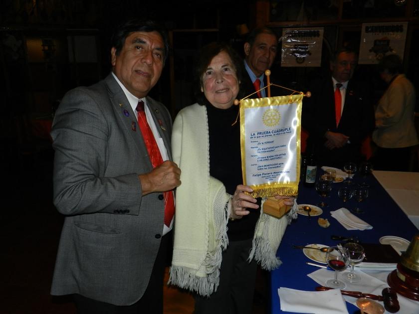 GD Felipe entrga Prueba Cuadruple a Oriana Díaz