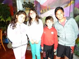 Martina Farias, Antonia Farias, Thierry Fontanes y Matthew Viruez