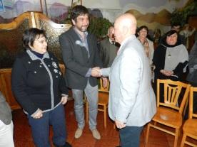 Investidura Juan Carlos Puiggros, EGD Sergio coloca PIN Rotario