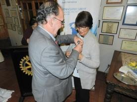 Jorge Fontanes coloca PIN Presidente a Laura Jara